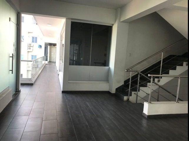 Local Comercial Santo Domingo>Distrito Nacional>El Millon - Venta:83.200 Dolares - codigo: 22-509