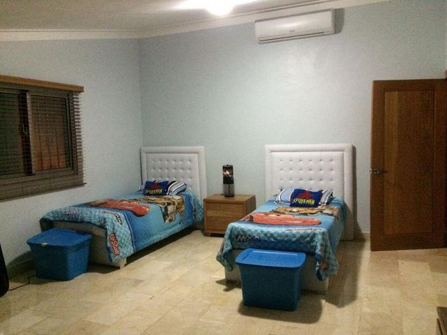 Casa Santo Domingo>Santo Domingo Oeste>Alameda - Venta:295.000 Dolares - codigo: 22-557