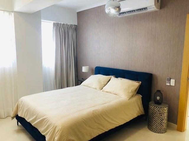 Apartamento Santo Domingo>Distrito Nacional>Piantini - Alquiler:1.400 Dolares - codigo: 22-558