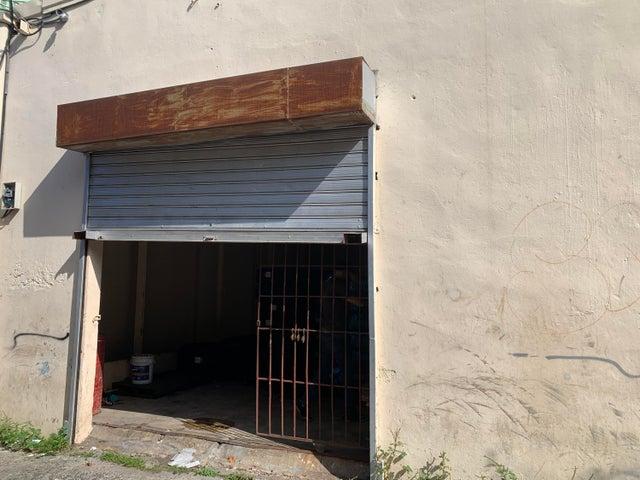 Industrial Santo Domingo>Distrito Nacional>Villa Juana - Venta:10.500.000 Pesos - codigo: 22-592