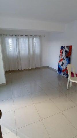 Apartamento Santo Domingo>Distrito Nacional>El Vergel - Alquiler:950 Dolares - codigo: 22-649
