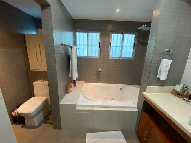 Apartamento Santo Domingo>Distrito Nacional>Piantini - Venta:268.000 Dolares - codigo: 22-656