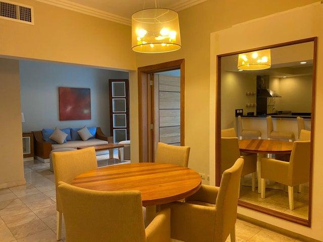 Apartamento La Altagracia>Punta Cana>Bavaro - Alquiler:1.300 Dolares - codigo: 22-670