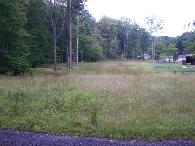 17 GALLOWAY RD, Dubois, PA 15801