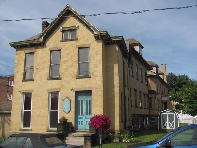 103 N GILPIN ST, Punxsutawney, PA 15767