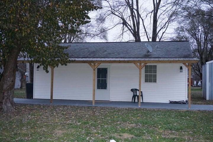 310 N Church, Kinmundy, IL 62854
