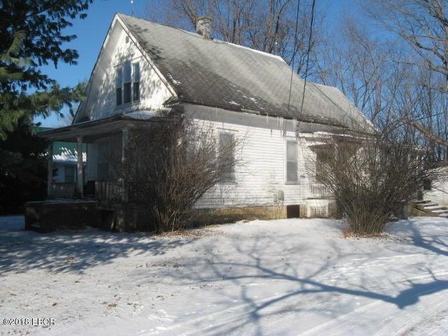 1714 E Main Street, Salem, IL 62881