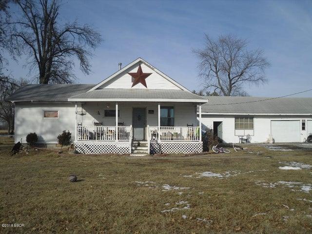 2250 Mills Cart Road, Salem, IL 62881