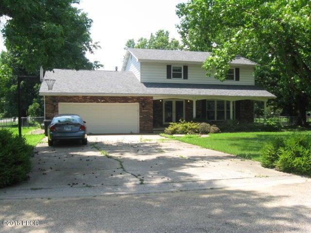 424 N Lakeview Drive, Salem, IL 62881