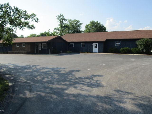7811 Old Hwy 50, Flora, IL 62839 (MLS# 421991) - Jeff Dunahee Realty