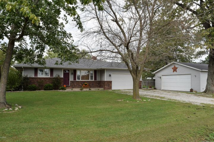 667 Fairman Road, Sandoval, IL 62882