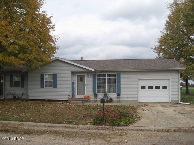 226 Chatham Drive, Salem, IL 62881