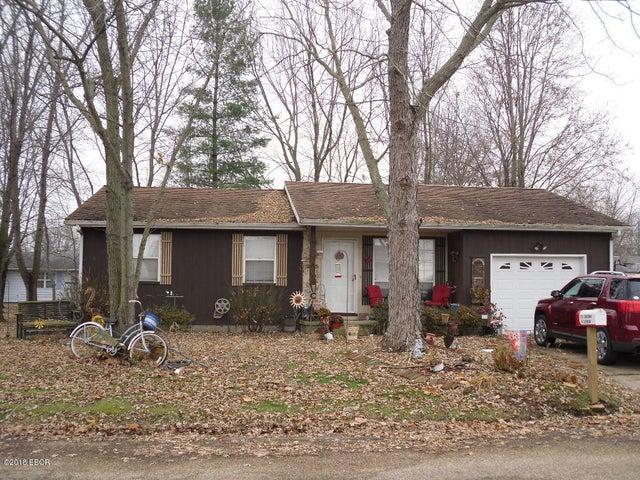 205 Chatham Drive, Salem, IL 62881