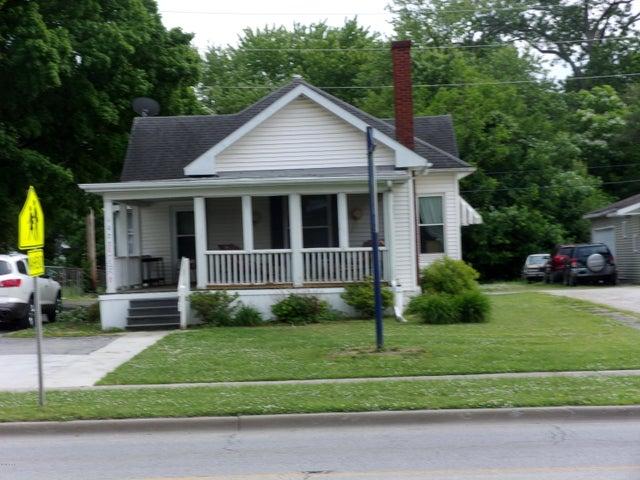 1027 W Main Street, Salem, IL 62881
