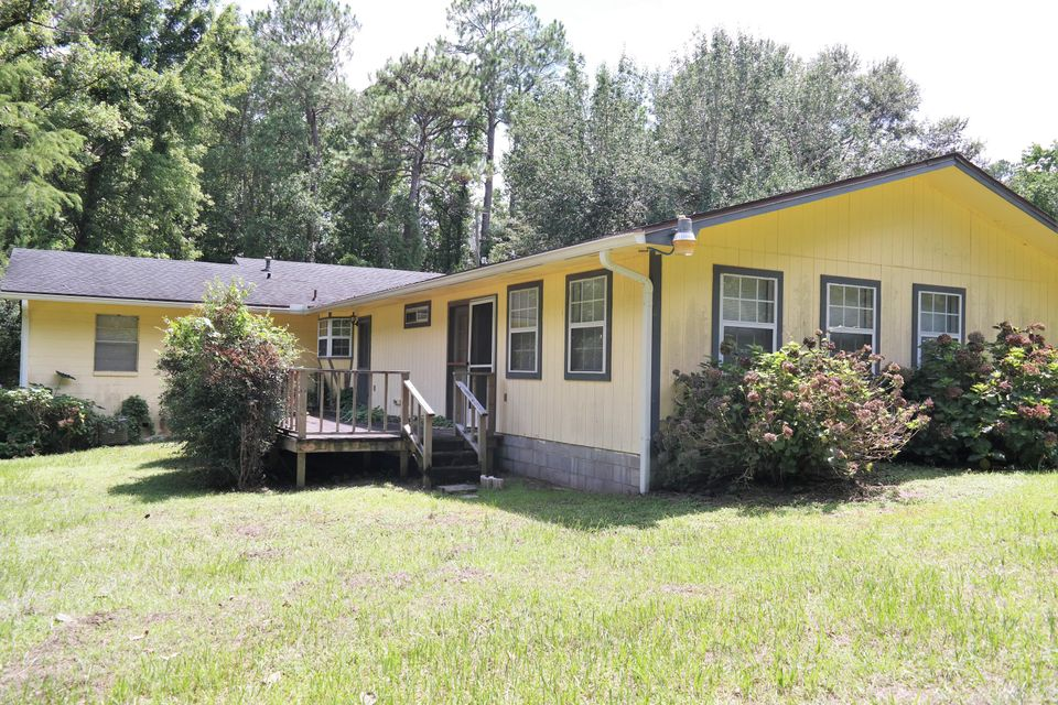 97 Walnut Avenue, Defuniak Springs, FL 32435