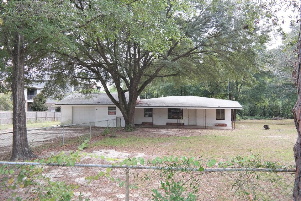 154 Shoemaker Drive, Defuniak Springs, FL 32433