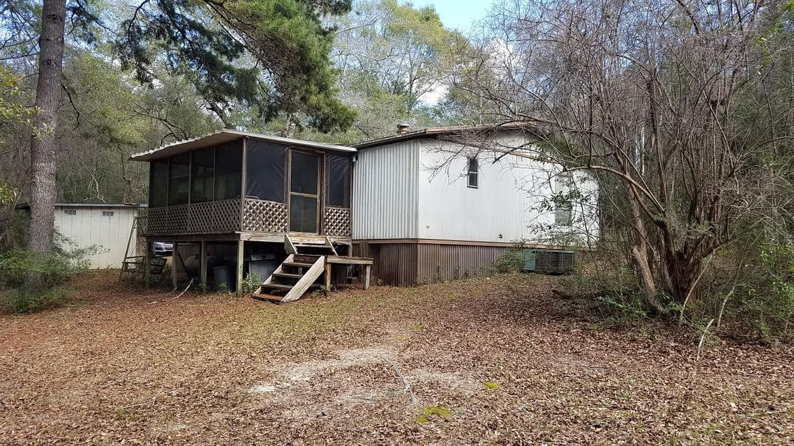 537 Squirel Road, Defuniak Springs, FL 32433