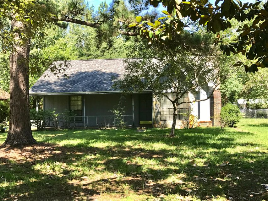 101 Magnolia Court, Crestview, FL 32536