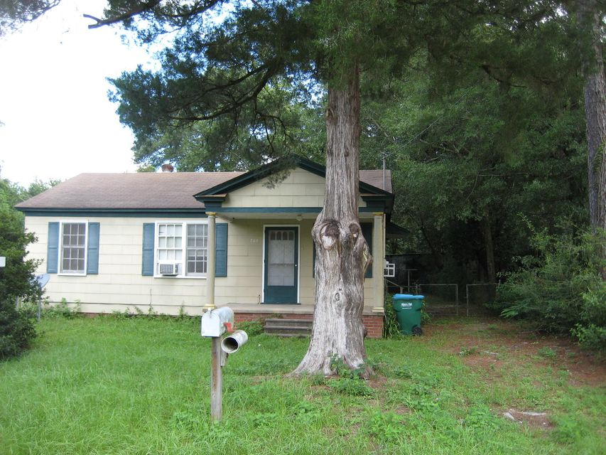 207 E 2nd Avenue, Crestview, FL 32536
