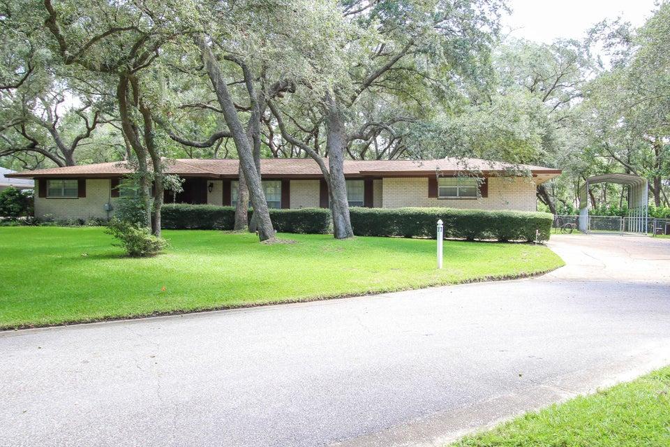 7 NE PEMBROKE Place, Fort Walton Beach, FL 32547