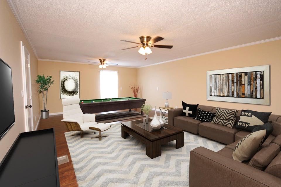 8125 Fourth Street, Navarre, FL 32566