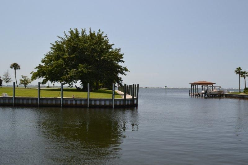 2623 Bay, Gulf Breeze, FL 32563