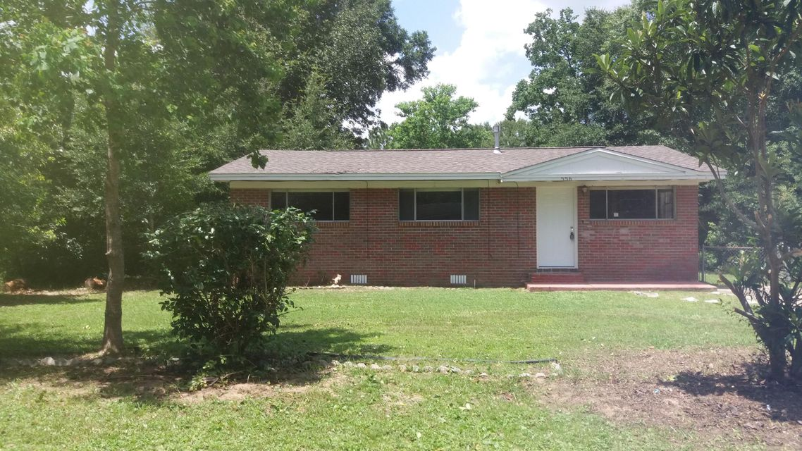 556 Purl Adams Ave, Crestview, FL 32539