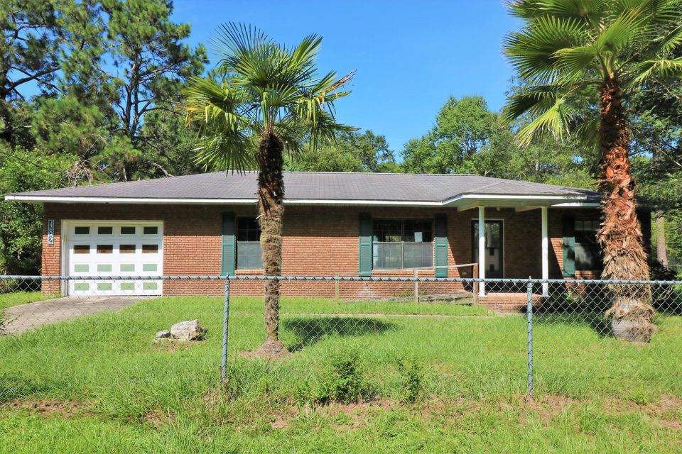 482 Martin Luther King Drive, Chipley, FL 32428