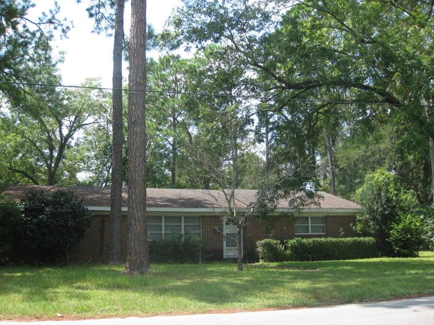 1102 N Pearl Street, Crestview, FL 32536