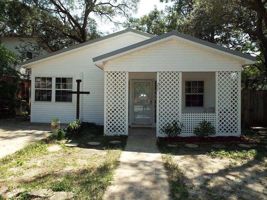711 Powell Drive, Niceville, FL 32578