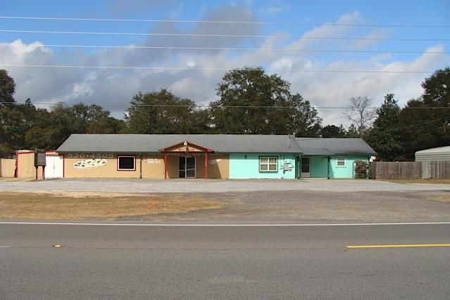 11078 W US HIGHWAY 90, Defuniak Springs, FL 32433