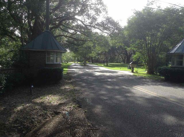 4525 Bayside Drive, Milton, FL 32583