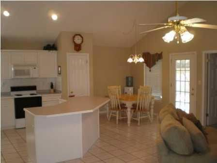 462 W Park Drive, Mary Esther, FL 32569