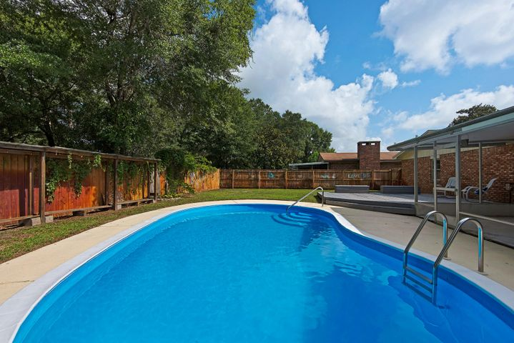 4/2 Remodeled Home with Pool