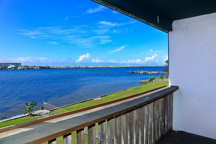 Misty Breeze immaculate 2 bedroom condo with Waterfront Views of the Santa Rosa Sound and PRICED TO SELL!