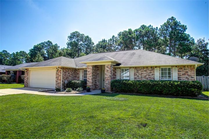 1633 BEACHSIDE Drive, City of Pensacola, FL 32506