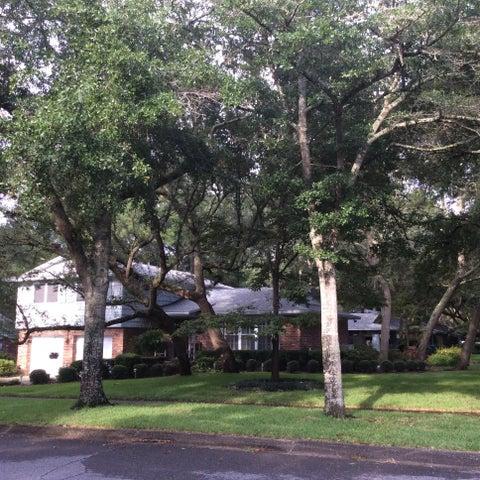601 Lakeview Road, Fort Walton Beach, FL 32547
