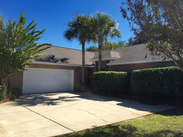 Beautiful Custom Florida Contemporary style home in the Eagles Lading subdivision in Destin.