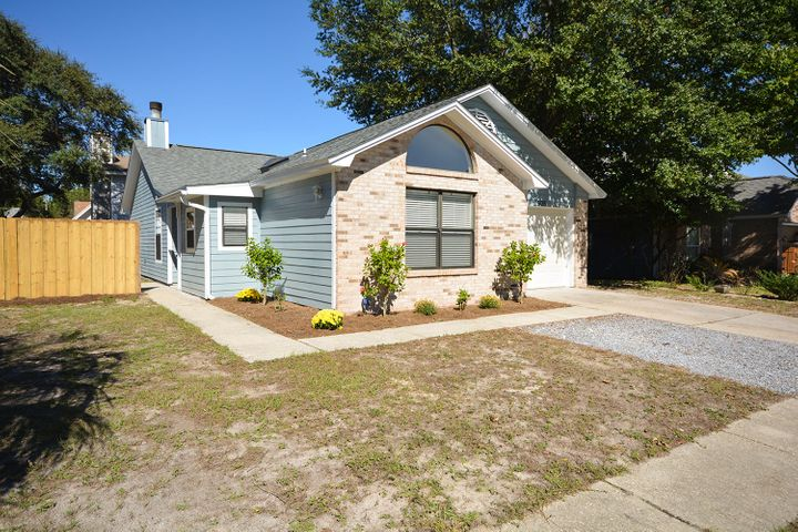 505 Woodland Park Circle, Mary Esther, FL 32569