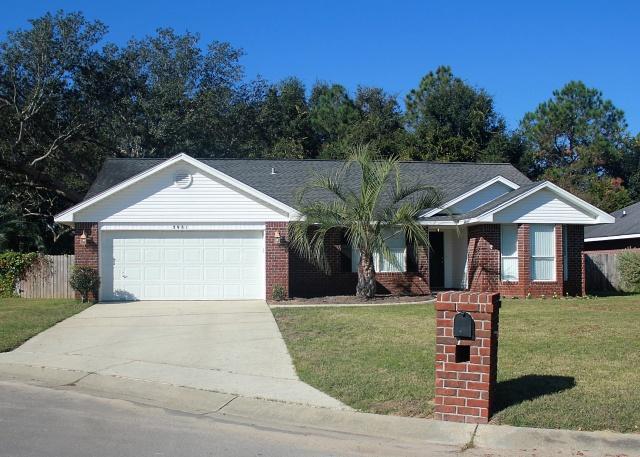3981 Holleyberry Lane, Milton, FL 32583
