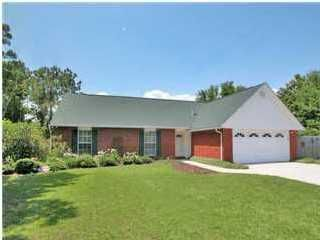 2 CRESCENT Court, Mary Esther, FL 32569