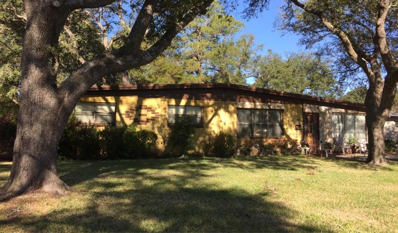 350 NE Gardner Drive, Fort Walton Beach, FL 32548