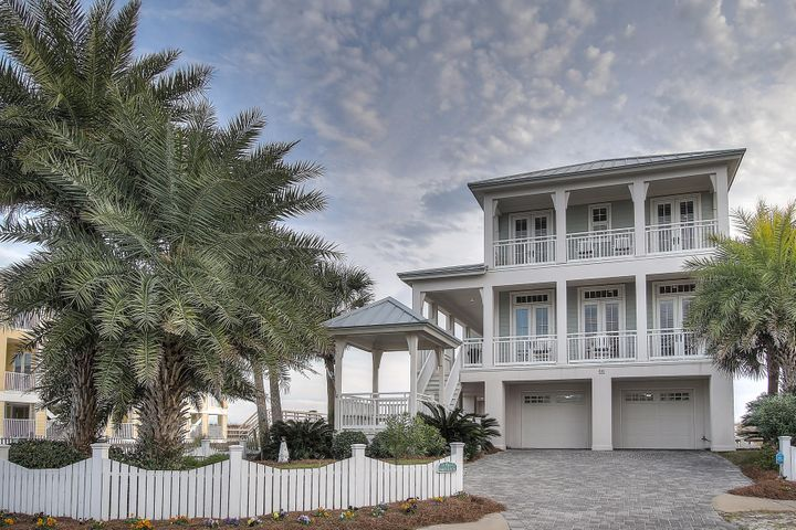 Footprints by the Sea is a Southern gulf front home