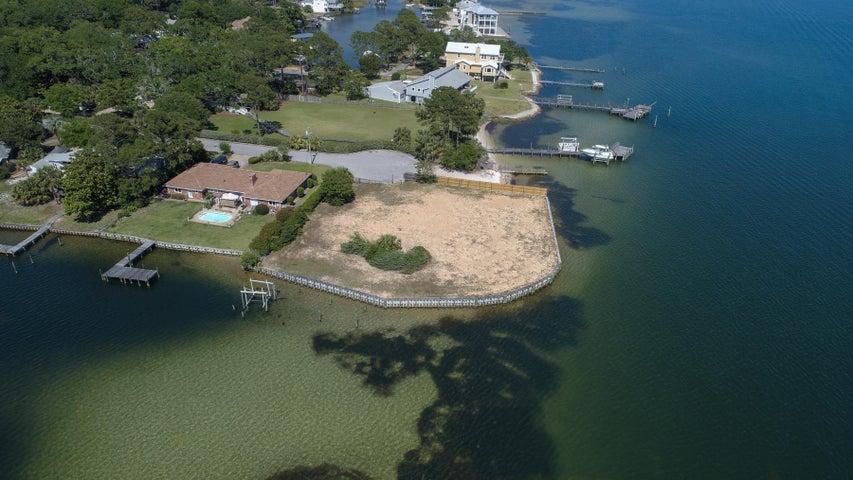 208 SE Hood Avenue, Fort Walton Beach, FL 32548