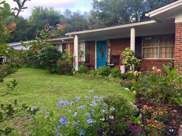 606 NE Camborne Avenue, Fort Walton Beach, FL 32547
