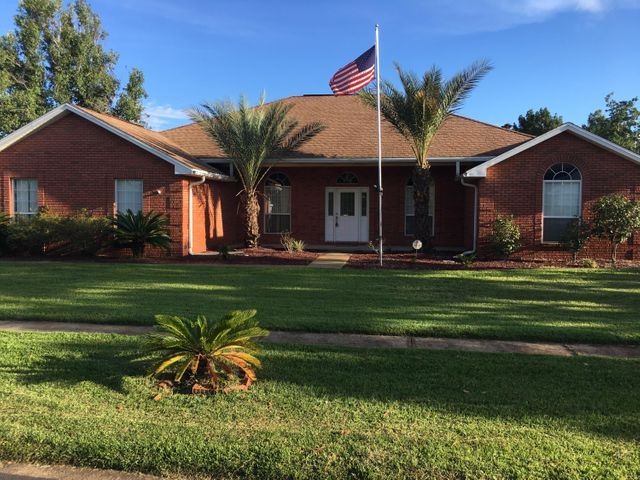 807 Linda Drive, Mary Esther, FL 32569