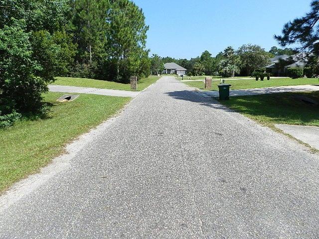 2351 Knotty Pine Drive, Navarre, FL 32566