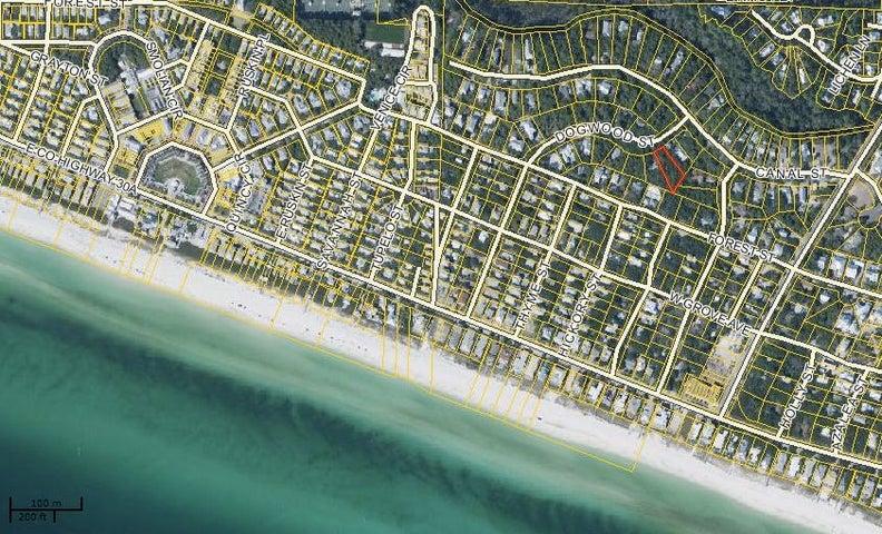 2.5 blocks to the beach and 2 blocks to Seaside.