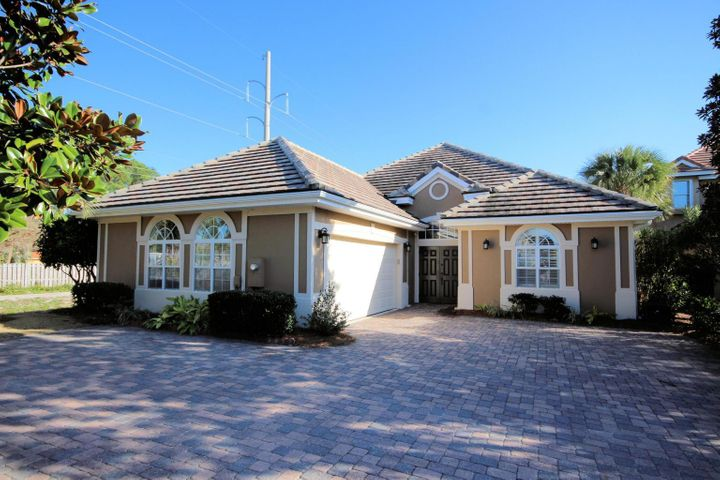 Amazing Patio home in Regatta Bay. 3 bedroom 3 bath home offers great open living, a courtyard pool, screened porch on the rear of home, two car garage and The kitchen has been recently remodeled. The 3rd bedroom is a guest quarters with private bath off the pool. A must see home!