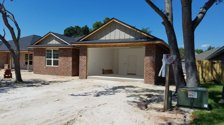 877 NW Lowery Drive, Fort Walton Beach, FL 32547